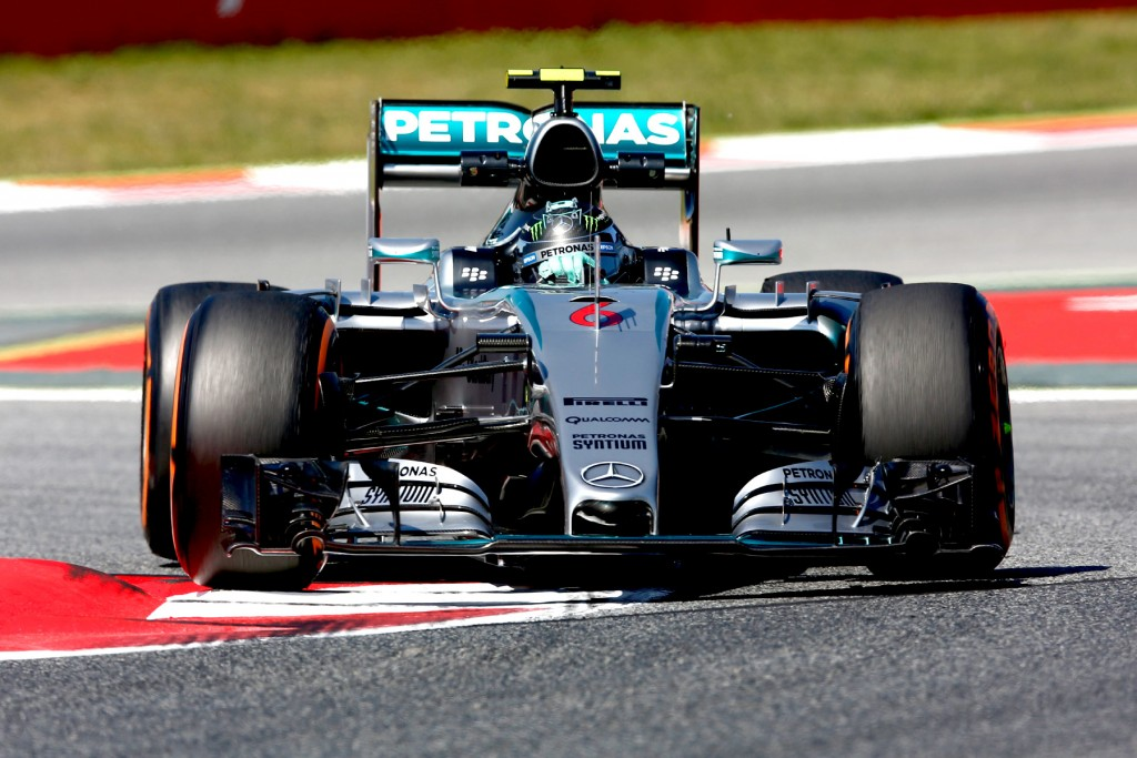 Rosberg rockets to Spanish victory