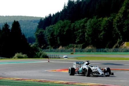 Hamilton dominates Belgian Grand Prix