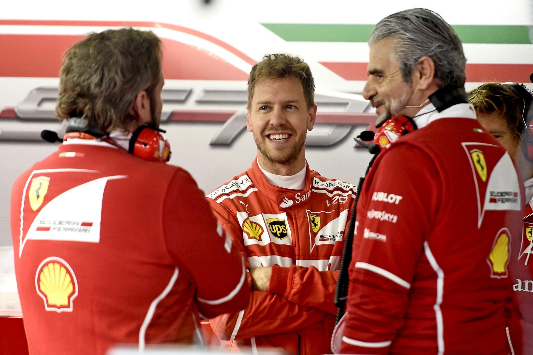 Ferrari tops frantic final practice