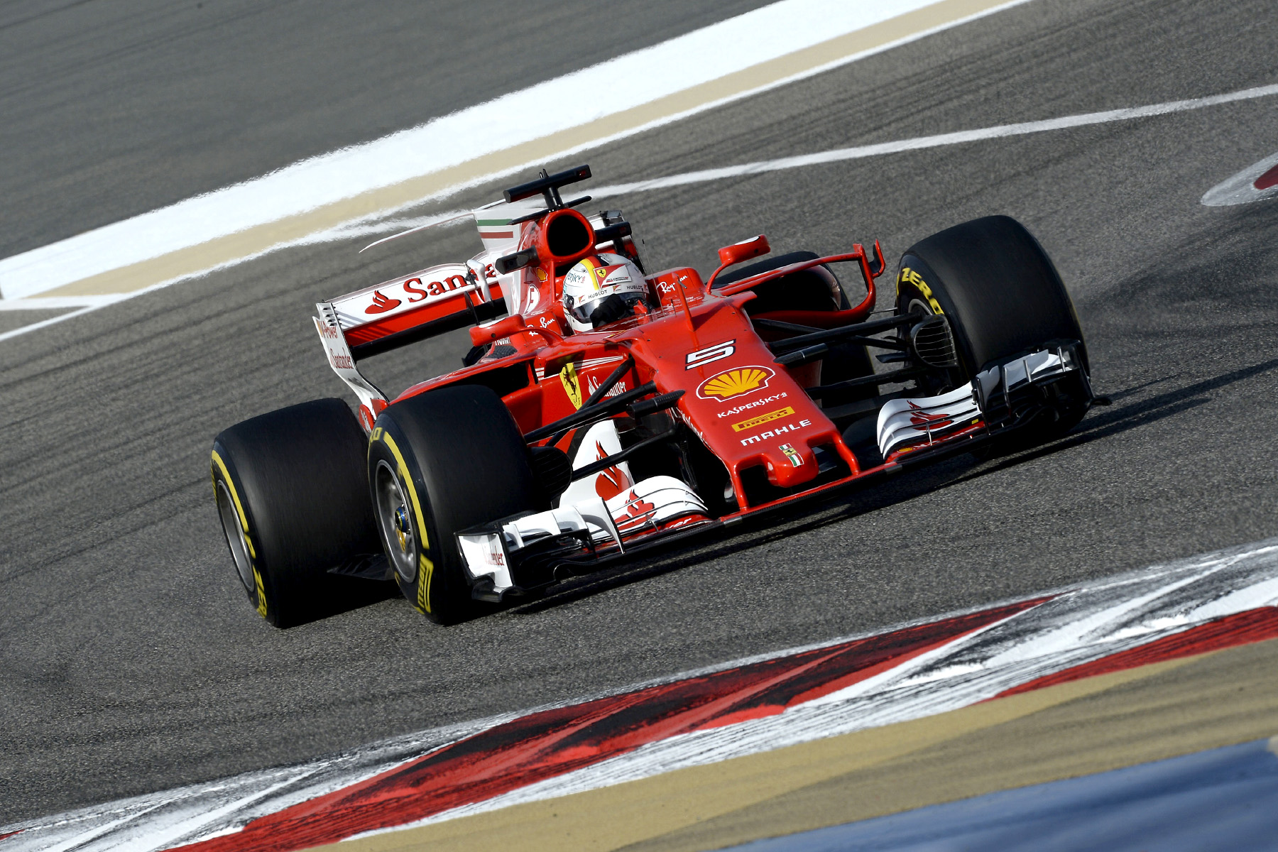 Vettel beats Mercedes in Bahrain