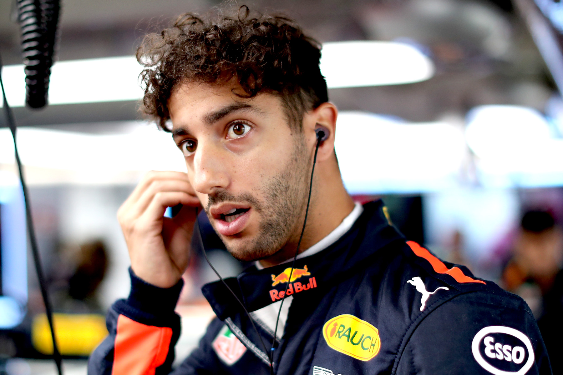 Daniel Ricciardo in his garage at the 2017 Japanese Grand Prix.