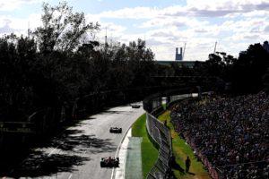 Cars on track in the 2018 Australian Grand Prix.