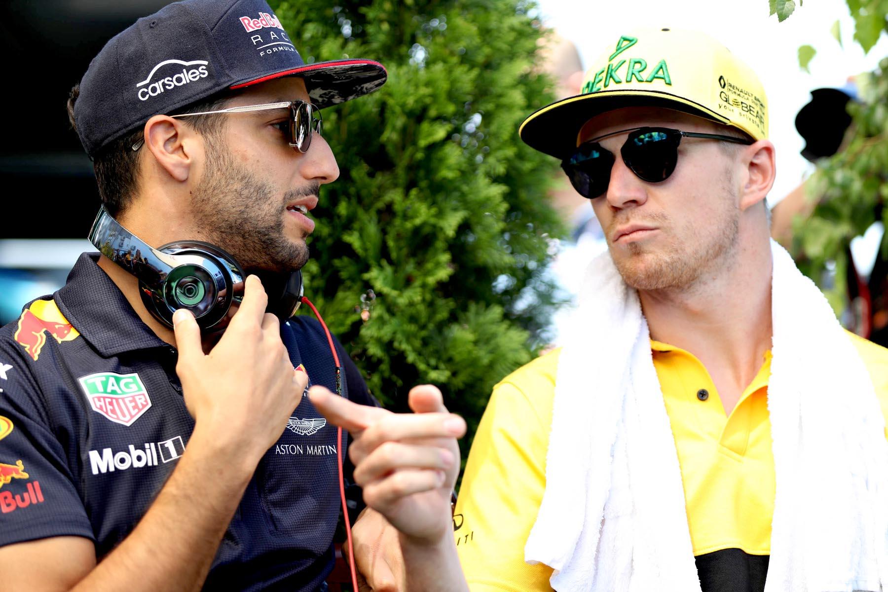 Daniel Ricciardo with 2019 Renault teammate Nico Hulkenberg.